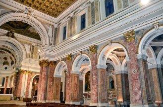 14- Avellino - Duomo di Santa Maria Assunta - Navata centrale dettaglio.