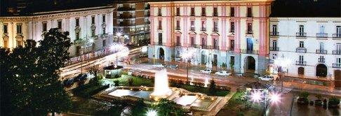 17 - Avellino. Piazza Libertà, dove spicca il settecentesco Palazzo Caracciolo, con il suo aspetto nobile.