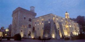 33 -Benevento. La Rocca dei Rettori di sera