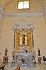 46 - Benevento- all'interno altare_laterale_chiesa_di_santa_maria_del_carmine_