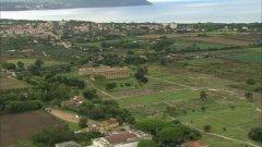 44 -Salerno. Una veduta panoramica dell'Area Archeologica di Paestum