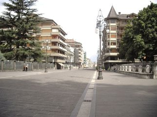 21 -Avellino. Scorcio di Corso Vittorio Emanuele II.