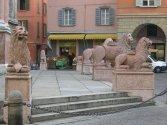 6 - Reggio Emilia, I leoni davanti alla basilica si San Prospero