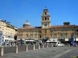 14 -Parma. Piazza Garibaldi. Palazzo del Governatore, ristrutturato in stile neoclassico dal Petitot ed oggi centro di esposizione permanente di arte moderna e contemporanea.