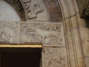 15 -Modena. La cattedrale. Porta della Pescheria, dettaglio