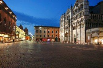 17 -Ferrara. Piazza Cattedrale and Corso Martiri della Libertà