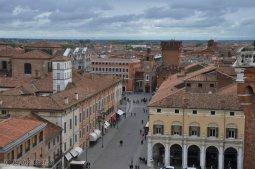 2 -Dalla Torre il panorama della città di Ferrara