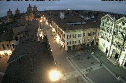 3 -Ferrara, webcam panoramica con vista sul corso Martiri della Libertà, sul Castello Estense e sulla piazza del Duomo di Ferrara