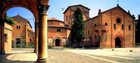 30 -Bologna-piazza-Santo-Stefano e la basilica S. stefano
