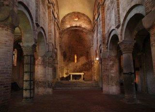 31 -Bologna- interno-Santo-Stefano-Vitale-e-Agricola