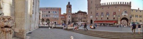 4 - Ferrara, piazza della Cattedrale