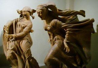 """42 -Chiesa di Santa Maria della Vita, interno. Compianto del Cristo morto. Questo gruppo scultoreo è considerato uno dei capolavori della scultura italiana, ingiustamente sconosciuto a molti. Il dolore espresso dai volti delle statue spinse Gabriele D'Annunzio a definire l'opera un """"urlo di pietra""""."""