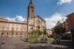 18 -Piacenza Piazza Duomo. Nel centro della piazza è collocato il monumento all'Immacolata che risale al 1862 a ricordo del dogma proclamato da Papa Pio IX l'8 dicembre 1854.