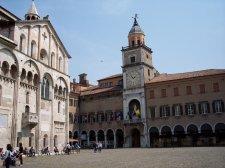 5 --Modena_Palazzo_Comunale_e_Duomo