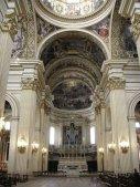 45 - Reggio Emila basilica della Ghiara. L'interno, in stile tardo-rinascimentale, ha diversi marmi e preziosi affreschi con cui la scuola dei Carracci, ispirandosi alle storie dell'Antico Testamento, ornò le volte e le cupole.