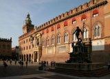 13 -Bologna-piazza-Maggiore-palazzo-Accursio