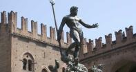 10 -Bologna. Piazza Maggiore. la Fontana del Nettuno, dettaglio.