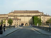 21 -Il Palazzo della Pilotta visto dal ponte Verdi.