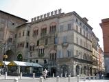 15 -Parme. Palazzo del Podestà. Il palazzo è un edificio dalle forme tardo romaniche, situato sul lato sud della centralissima piazza Garibaldi a Parma, in adiacenza al palazzo del Comune, costruito tra il 1221 e il 1240.