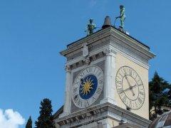 26 -Udine- Piazza Liberta. La loggia di San Giovanni. Particolare della torre dell'Orologio