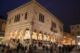 31-Udine. La Loggia del Lionello in notturna