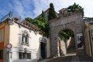 14 -L'Arco Bollani, sullo sfondo il castello di Udine