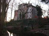 30 -Pordenone. Castello di Torre, sorto alla fine del XII secolo, residenza della famiglia dei signori di Ragogna, dopo l'assalto del 1402 da parte del capitano austriaco a Pordenone Mordax fu ricostruito e in parte trasformato in dimora signorile. È sede del Museo Archeologico del Friuli Occidentale.
