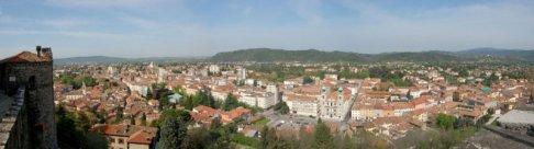 1 -Gorizia - panorama. Per la sua posizione e per la sua storia, la città è uno dei punti di congiunzione fra il mondo latino, slavo e germanico.