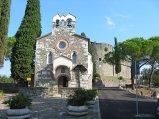 11 -Gorizia. La Cappella di Santo Spirito è una delle più antiche chiese di Gorizia. È situata sul colle del castello e con questo costituisce una delle immagini tradizionali della città. I lavori vennero ultimati il 22 gennaio 1414.
