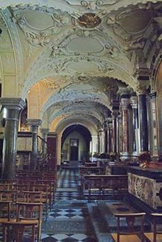 33 -Duomo_di_Gorizia_-_Interni_ La navata laterale di destra