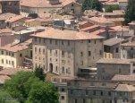 38 -Rieti. Il retro del palazzo Potenziani Fabbri visto da Colle San Mauro.
