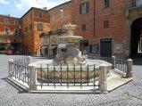 41 -Rieti. La fontana dei Delfini in Piazza Vittorio Emanuele che risale alla prima metà del XIX secolo