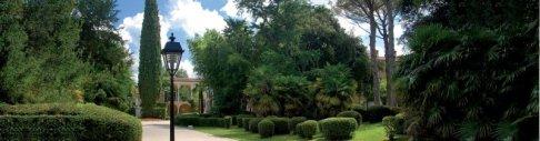 20 -Parco Lungo il viale XX Settembre, nel centro di Gorizia, si estende il parco di Palazzo Coronini Cronberg Realizzato sul finire dell'Ottocento.