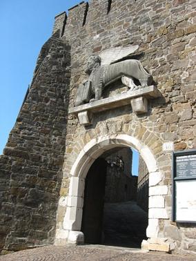 8 -Borgo Castello
