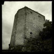 12 -Rieti. Castel di Tora. Del Castello, costruito intorno all'anno Mille, si conserva solo la torre pentagonale, un tempo mastio della fortificazione.