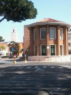 16 -Il palazzo delle Poste, edificio simbolo dell'architettura futuristaLo storico Palazzo delle Poste