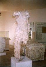 13 -Frosinone. Il Museo archeologico. Statua romana