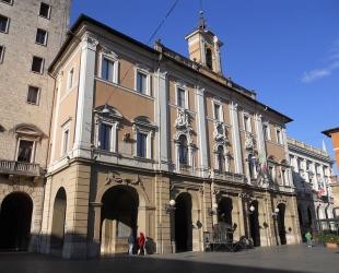 25 -Palazzo_Comunale,_Rieti_-_facciata,_1