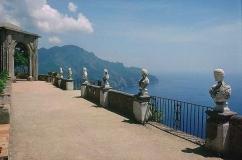 44--Ravello-Villa Cimbrone. Il belvedere con la terrazza dell'infinito.