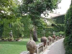 29 -Viale di entrata a Villa Cimbrone