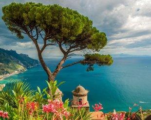 20 -Ravello, panorama sul Golfo di Salerno dai Giardini di Villa Rufolo