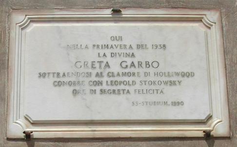 48 -Ravello. A Villa Cimbrone soggiornò Greta Garbo