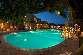 40 -Ravello. Hotel e Villa Cimbrone, piscina