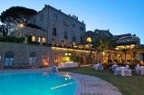 39 -Ravello. Hotel e Villa Cimbrone,altra veduta.