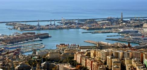 93 -Genova. Panorama del Porto antico