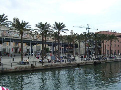 104 -Genova, passeggiata-lungo-la-palazzina-millo-porto_antico.