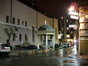14 -Genova. piazza-sarzano-nel-sestiere-del-molo-una-delle-aree-del-centro-storico-tra-le-prime-ad-essere-abitate