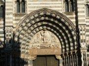 89 -Genova. la-lunetta-del-porta0le-centrale-con-cristo-con-san-lorenzo