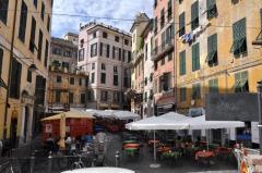 18 -Genova. Piazza delle erbe