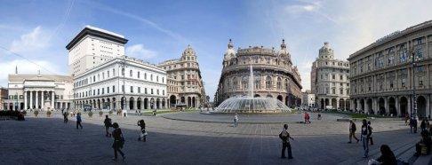 35 -Genova, panorama della piazza de Ferrari